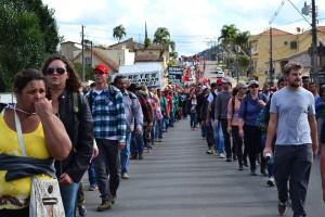 Marcha pela Agroecologia toma as ruas de Irati, no dia 22 (foto: Franciele Petry Schramm)