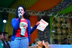 Representante da Campanha Permanente Contra os Agrotóxicos fala durante seminário (foto: Franciele Petry Schramm)
